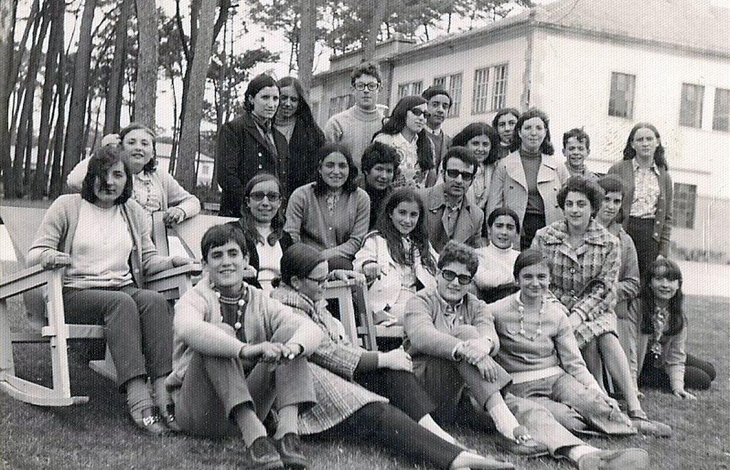 Viana repudia a expulsión do ensino que sufriu Casares na localidade hai medio século