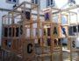"""Muro mosaico da exposición """"Os mundos de Carlos Casares"""""""